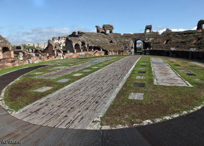 Caserta Capua Anfiteatro Spartaco 2 700x500, Reggia di Caserta UnOfficial