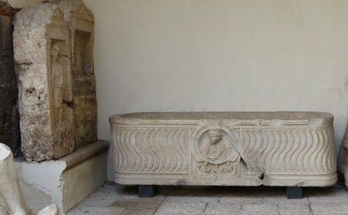 Caserta Capua Museo Campano Cortile 4 500x309, Reggia di Caserta UnOfficial
