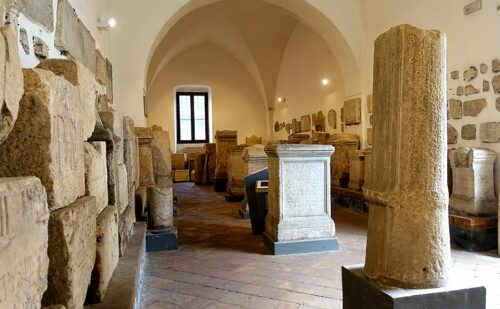 Caserta Capua Museo Campano Lapidario 500x309, Reggia di Caserta UnOfficial