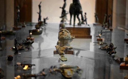 Caserta Capua Museo Campano Vasi Bronzi 2 500x309, Reggia di Caserta UnOfficial