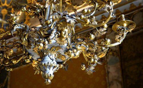 Caserta Lampadario Rococò Di Fiore 3 500x309, Sito non ufficiale della Reggia di Caserta