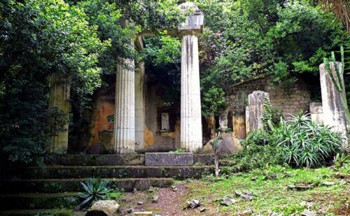 Finte rovine di un tempio - by Barbara Cesanelli