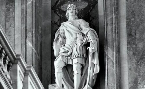 Scalone Statua 2 500x309, Unofficial Website of the Royal Palace of Caserta