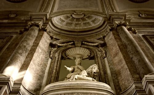 Scalone Statua 3 500x309, Unofficial Website of the Royal Palace of Caserta