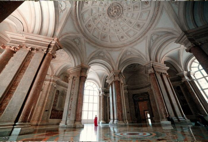 Scalone Vestibolo 700x478, Unofficial Website of the Royal Palace of Caserta