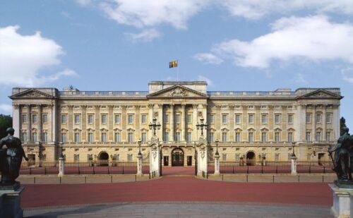 Vanvitelli Buckingham Palace 500x309, Reggia di Caserta UnOfficial